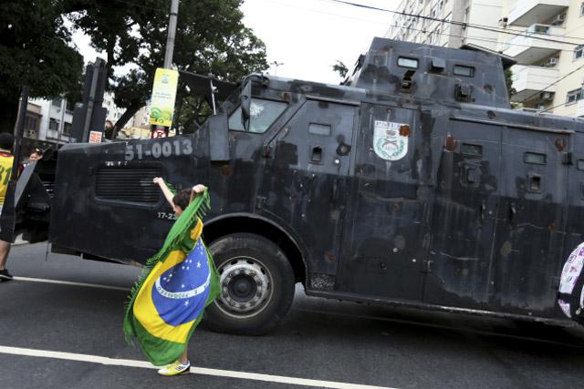 protestas_brasil_espana_02