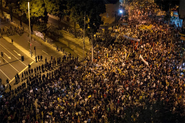 protestas_brasil_espana_07