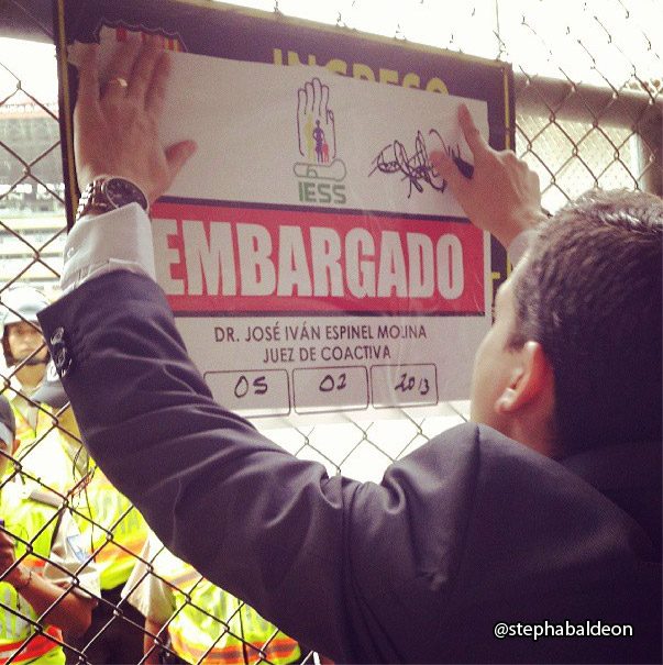 embargo_iess_monumental_03