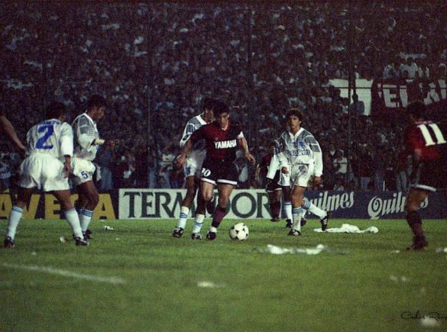emelec_newells_maradona