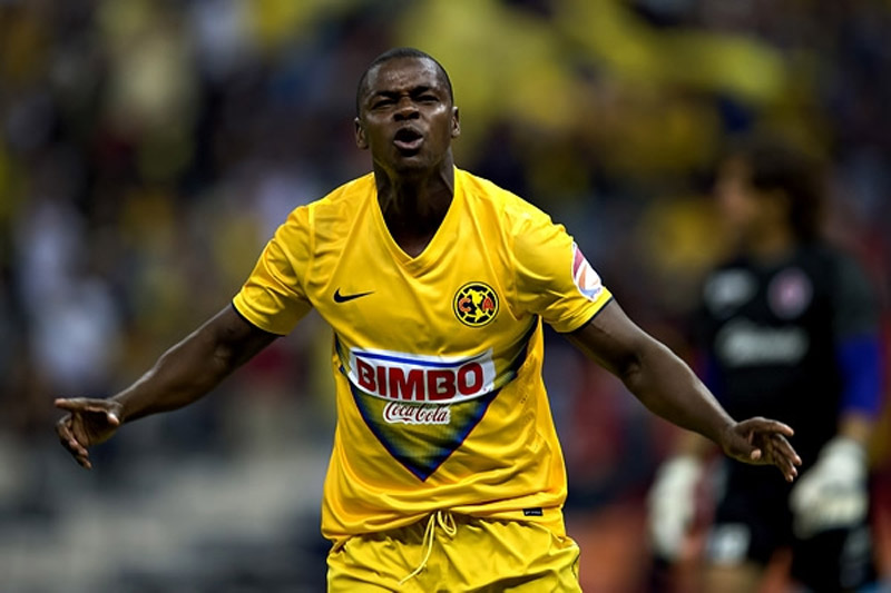 El atacante de 35 años juega en el Santa Rita de Ecuador