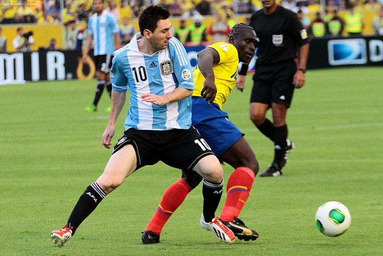 Lionel messi fuera de las canchas de 6 a 8 meses se for Cuando es fuera de lugar en un partido de futbol