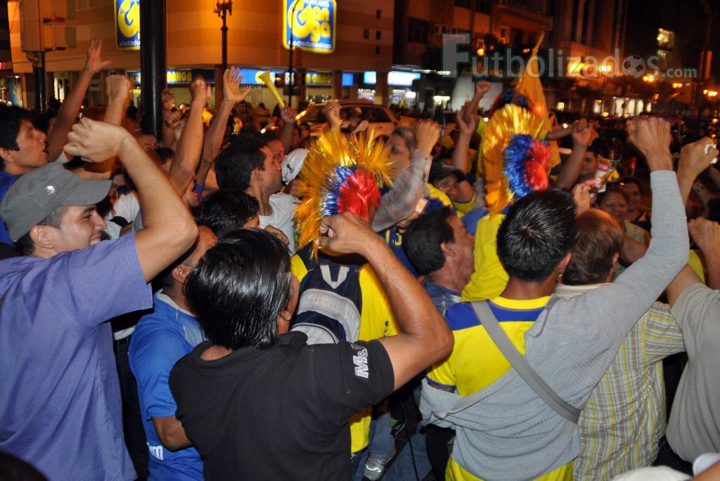 hinchas_ecuador_celebracion_02