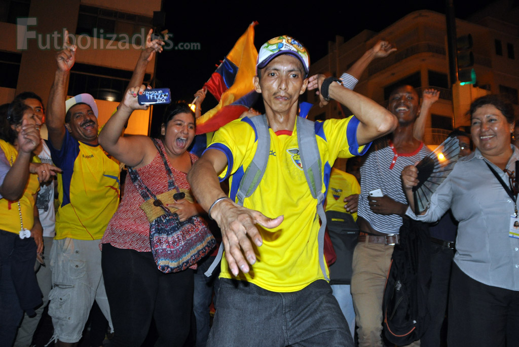 hinchas_ecuador_celebracion_03