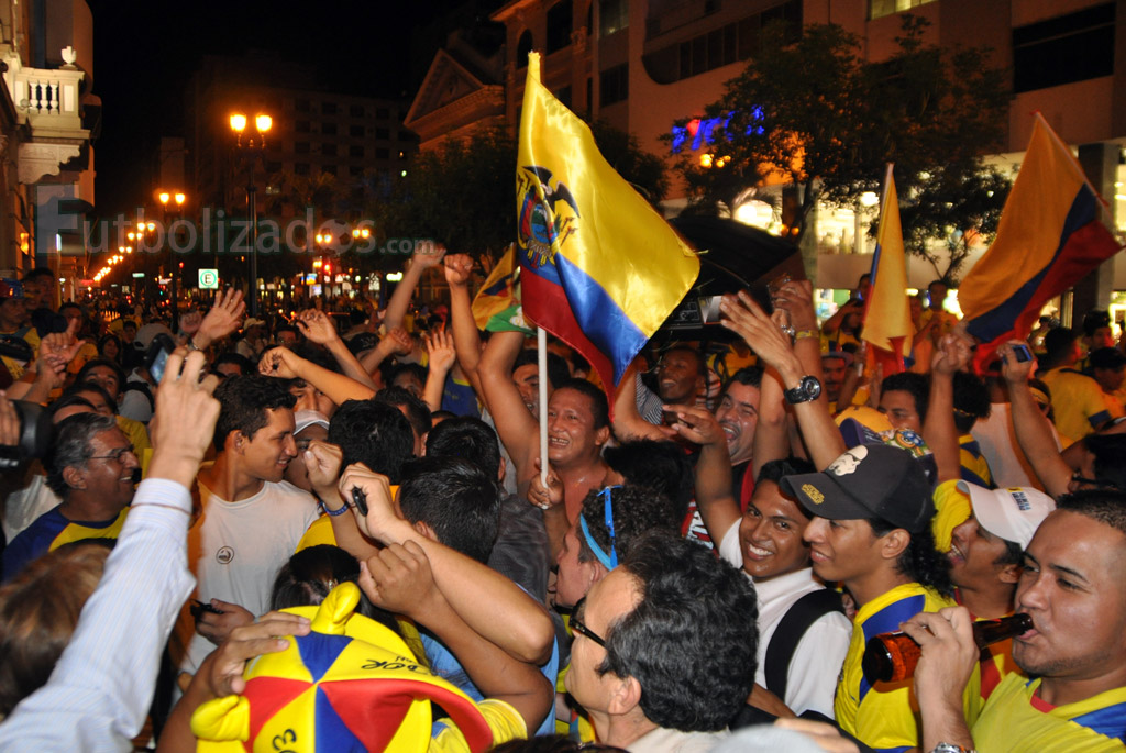 hinchas_ecuador_celebracion_04