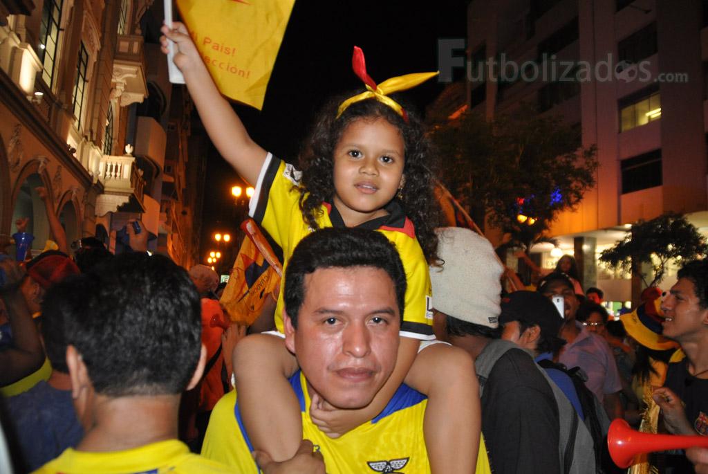 hinchas_ecuador_celebracion_07