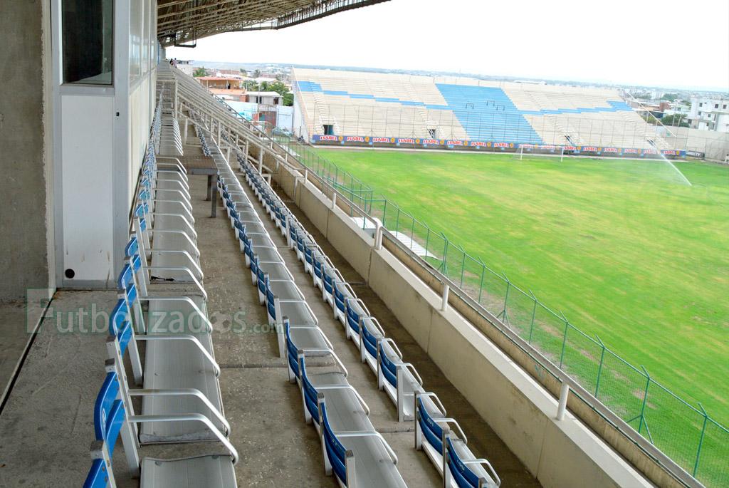estadio_jocay_2015_04
