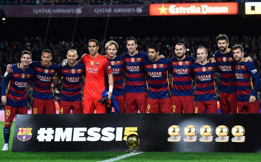 51c1b899129fc  VIDEO  Lionel Messi ofrece su quinto Balón de Oro en Camp Nou